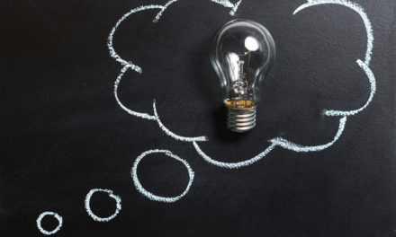10 idees met . . . 'n blik bordkryt verf