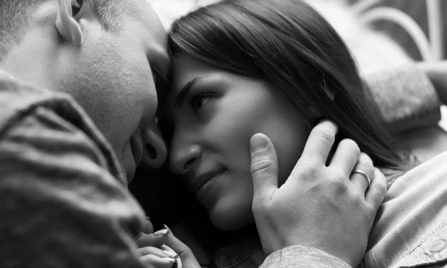 7 Oulike idees om tyd te maak vir seks
